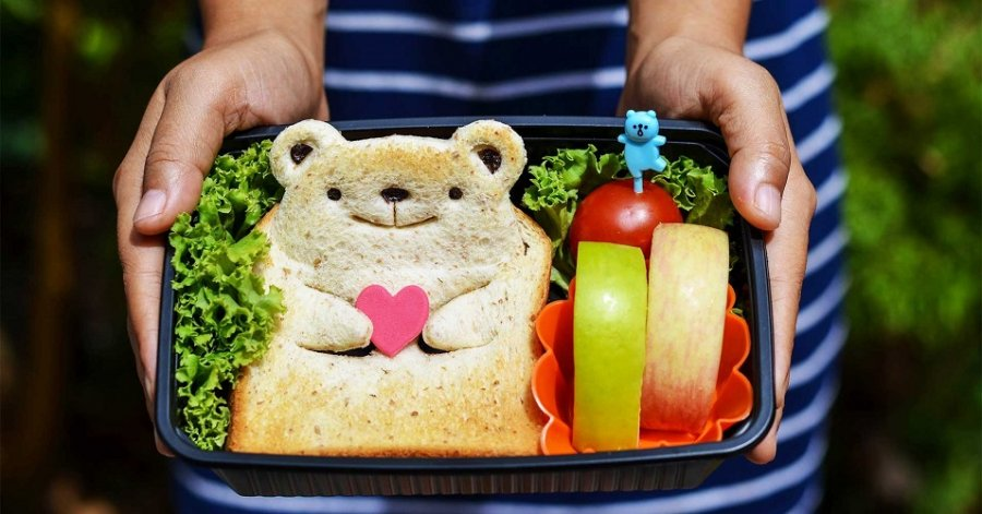 El lonche es ese alimento o colación que toman los niños a manera de refrigerio