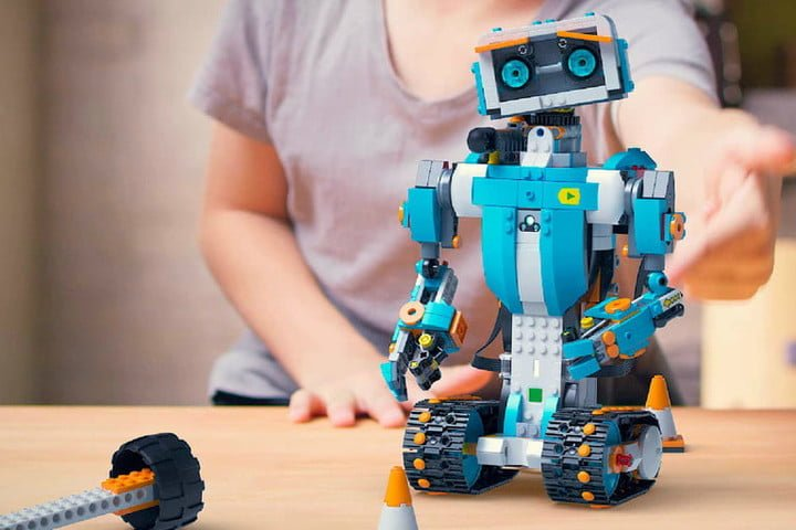 introducir a los niños en mundo de la robótica y programación.