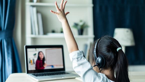 Expertos en educación online comparten algunos tips para ayudar al alumnado a sacarle partido a estudiar clases en línea.